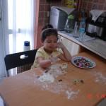 zeynep-yemek-yapıyor (1)