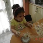 zeynep-yemek-yapıyor (14)